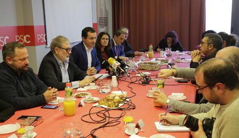 Un moment de l'esmorzar del PSC amb els periodistes.