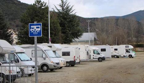 La zona d'estacionament d'autocaravanes de la Seu.