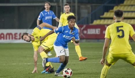 Quintero controla la pilota en una acció del partit d'ahir contra el Vila-real B.