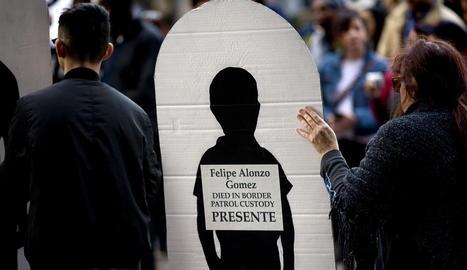 Marxa en favor dels migrants a San Diego, Califòrnia.