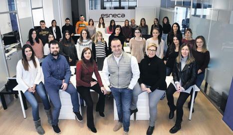 L'equip d'Esneca Business School, juntament amb el seu CEO, Albert Piñol