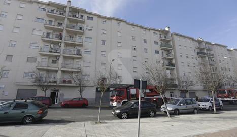 L'incendi va afectar un pis d'aquest bloc del carrer Valls d'Andorra.