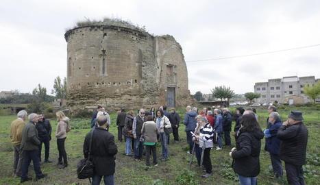 Una visita guiada 'reivindicativa' a les restes del monestir de Sant Ruf, el novembre del 2016.