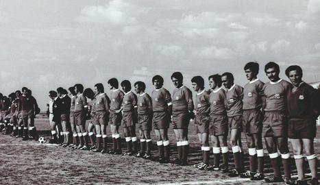 Una de les plantilles de l'equip, que apareix a la portada del llibre.