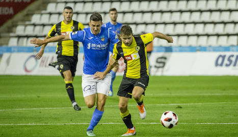 Almagro, en un dels escassos partits que ha jugat amb el Lleida.