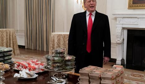 Trump va oferir hamburgueses als convidats a la Casa Blanca.