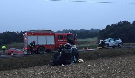 Imatge dels tres vehicles implicats, poc després del xoc.