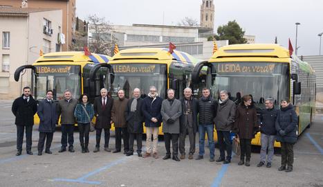 Lleida estrena 5 nous autobusos híbrids