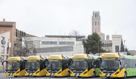 Els nous autobusos híbrids.