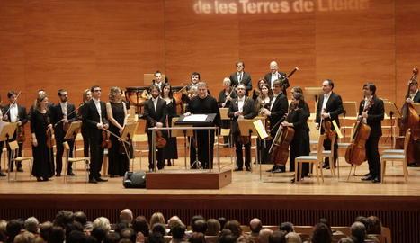 Un moment del concert d'ahir de José Cura amb l'OJC.