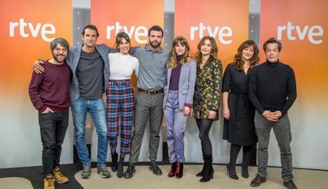 Els actors, en la presentació de la sèrie.