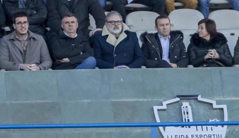 Xemi, Mousa, Víctor Vidal i Albístegui, capbaixos al final del partit, després de consumar-se la derrota davant de l'Espanyol B en el temps afegit.