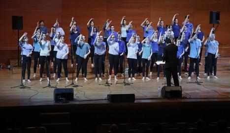Un moments de l'actuació a l'Auditori Enric Granados.
