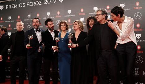"""L'equip d'""""El reino' rep el premi a la millor pel·lícula dramàtica dels premis Feroz."""