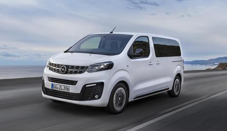 Ofereix tres carrosseries d'entre 4,6 i 5,3 metres de llargada, cadascuna de les quals es pot sol·licitar amb fins a nou seients.