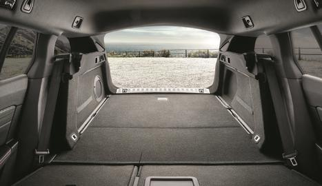 Incorpora Magic Flat, un sistema que abat la banqueta posterior i augmenta l'espai fins als 1.780 litres