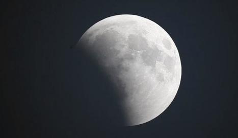 Imatge de la primera fase de l'eclipsi, captada pel PAM i la Universitat de Barcelona.