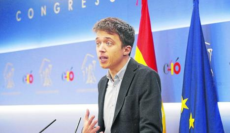 Íñigo Errejón va anunciar en roda de premsa que deixa l'escó com a diputat al Congrés.