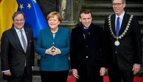 La cancellera alemanya, Angela Merkel, i el president gal, Emmanuel Macron, ahir a Aquisgrà.