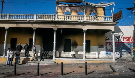 Imatge de l'edifici atacat ahir a Caracas.