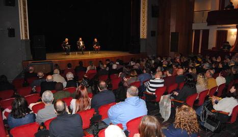 Jon Iñarritu va parlar sobre el procés vist des d'Euskadi a L'Amistat.