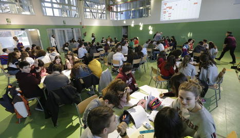 Sis-cents alumnes a les proves Cangur de matemàtiques