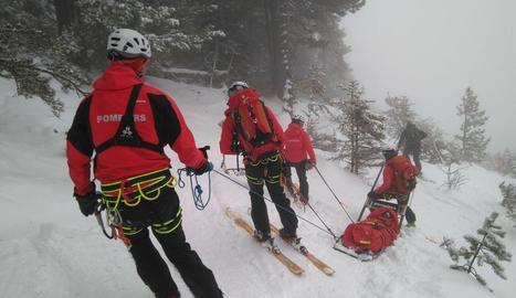 Ferit greu un esquiador atrapat per una allau a Aran