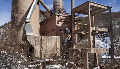 La cimentera de Xerallo es va proveir de pedres del seu entorn i de carbó de Malpàs.