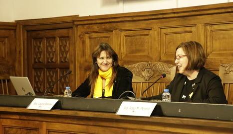 La consellera de Cultura i la presidenta de la Diputació, a l'IEI.