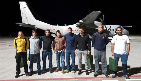 Els vuit membres de la Brigada de Salvament Miner.