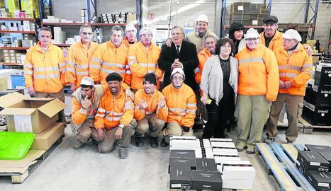 Foto de família dels treballadors i els responsables de la fundació Ilersis-Shalom.