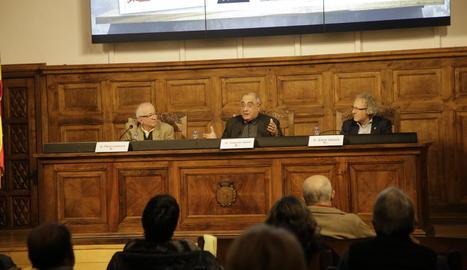 Joaquim Nadal, durant la presentació del seu llibre a l'IEI.