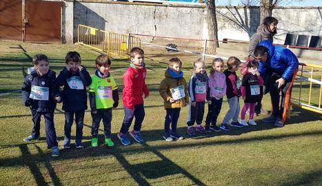 Un grup de corredors en els primers instants de la prova.