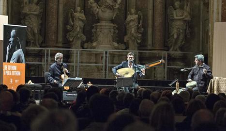 Jordi Savall va actuar amb el paranimf ple a vessar.