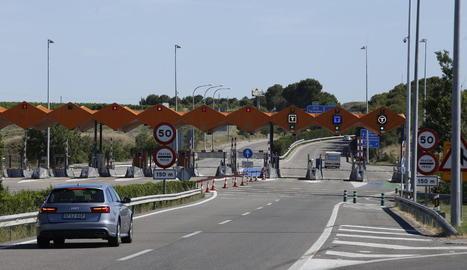 Imatge d'arxiu del peatge de l'autopista AP-2 a Lleida.