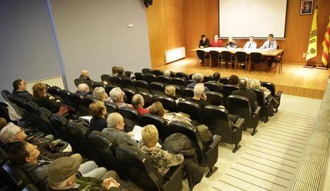 Imatge de la reunió que es va fer ahir a Alcoletge.