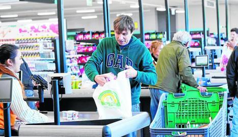 Una de les bosses de plàstic reciclat que utilitzarà Mercadona.