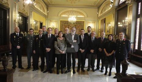 Foto de família de la reunió de la Junta Local de Seguretat.