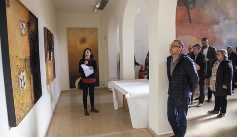 Exposició 'Pom-Plata', de l'artista argentina establerta a Barcelona Nora Ancarola, a l'edifici Lo Pardal de la Fundació Guillem Viladot.