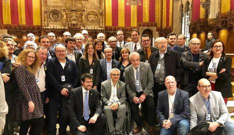 Amb accent de Lleida - L'acte a l'ajuntament de Barcelona va comptar amb nombrosa presència lleidatana, com els presidents dels consells del Segrià i el Pallars Jussà; els alcaldes de Mollerussa, Almacelles, la Seu d'Urgell, Albesa, Alpica ...