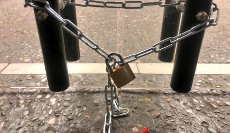 Estudiants bloquegen l'accés al Rectorat de la UdL