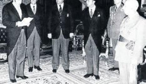 El llavors president Agustí Montal va entregar una medalla a Franco.