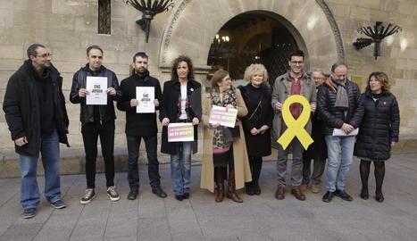 PDECat, ERC, Crida i Comú protesten pel judici als líders independentistes