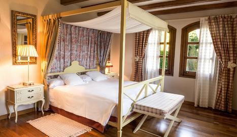 Suite Comtal, una de les millor habitacions de l'Hotel El Castell de Ciutat.