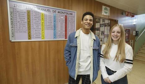 Dani Navas i Noa Redondo, de l'institut Manuel de Montsuar, dos dels becats.