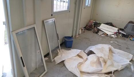 L'interior del local, que va quedar totalment destrossat.
