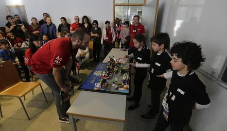 En aquesta vuitena edició de la First Lego League de Lleida han participat més de 320 alumnes.