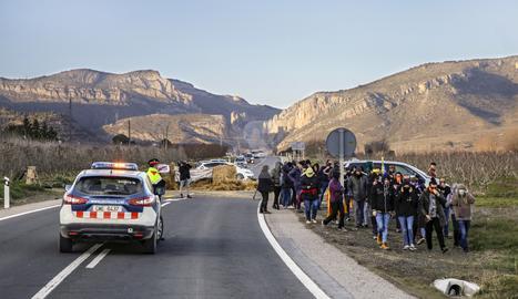 © Els CDR tallen l'N-230 a Alfarràs