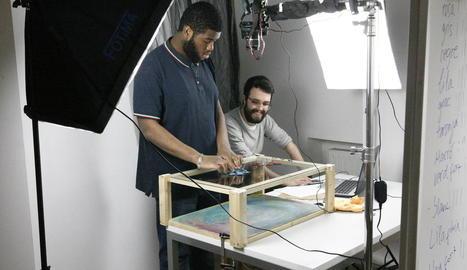 Taller de cine d'animació amb la tècnica de l''stop-motion', ahir a l'Escola de Belles Arts de Lleida.
