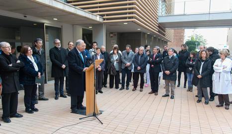 El rector de la UdL, pronunciant un discurs després de la visita a les instal·lacions de Biomedicina.